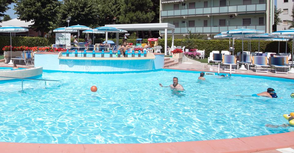 Piscina hotel cavour hotel 3 stelle cesenatico - Hotel cesenatico con piscina ...